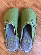 Acorn Slippers Size 7 Womens Green Gray Slides Felt Boiled Wool Dorm