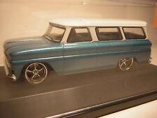 1/43  Chevrolet Suburban 1966   Grennlight     chevy C10 bleu