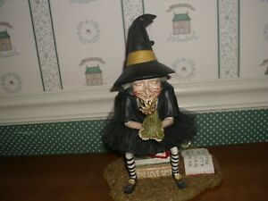 """BETHANY LOWE-HALLOWEEN-HOW TO FIND A PRINCE WITCH FIGURINE -NEW-2019-10 1/2""""H"""