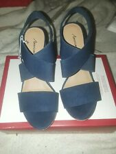 American Eagle Womens Size 5 Platform Wedge Sandal Ankle Strap Peep Toe Navy