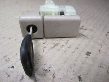 LEXUS ES300 ES 300 97-99 1997-1999 GLOVEBOX GLOVE BOX LATCH LOCK KEY TAN