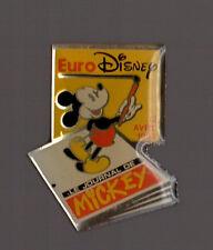 Pin's journal de Mickey (signé disney)