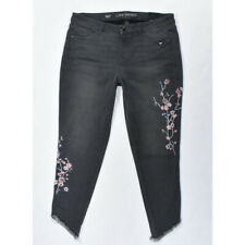 Lane Bryant Floral Embroidered Fray Hem Ankle Jeans SIZE 16W NWT
