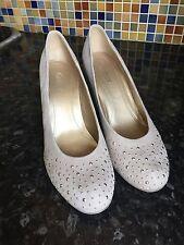 Gabor Patternless Court Standard Width (D) Heels for Women