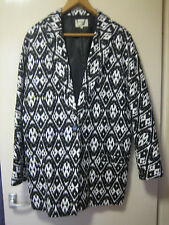 A WOMENS LOVELY PAPAYA WEEKEND BLACK AND WHITE PRINT COAT SIZE 16