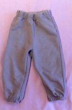Markenlose Baby-Hosen für Jungen ohne Muster