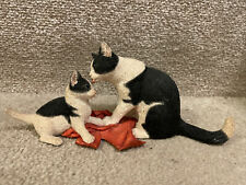 More details for sherratt and simpson black and white cat and kitten figurine washing