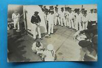 Marine Foto AK Schlachtschiff S.M.S. Pelikan Offizier Matrosen gefesselt 1914-18
