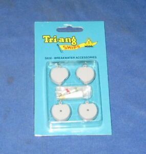 Tri-ang Ships S828 Breakwater Accessories