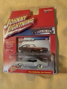 Johnny Lightning 2016 Muscle Cars USA 1971 Pontiac GTO 1:64 White Lightning
