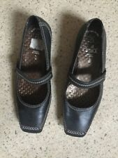 Caprice. Woman's Leather Flat Shoes. Black Size 5 / 38