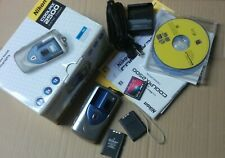 NIKON COOLPIX 2500 2.0MP DIGITAL CAMERA - SILVER w/ CD MANUALS CHARGER BATTERIES