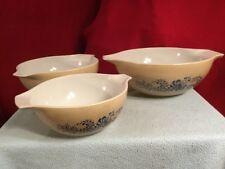 Pyrex Homestead Blue Pattern Nesting Stack 3 Mixing Bowls Pour Spouts