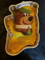 1975 Wilton Yogi Bear Aluminum Cake Pan Retired 502-176