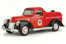 1940 FORD TANKER TEXACO RED 1:18 DIECAST MODEL CAR BY BEYOND INFINITY 0605