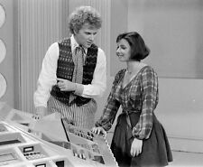 Colin Baker and Nicola Bryant UNSIGNED photo - H8049 - Doctor Who