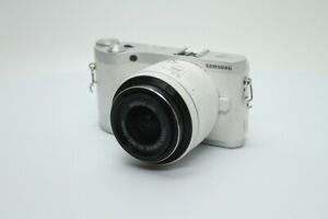 Samsung SMART NX300 Compact System Camera 20-50mm Lens - White
