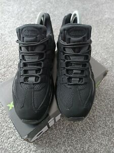 Nike Air Max 95 Triple Black Mens Trainers - Size 7
