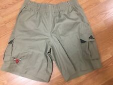 NBA ADIDAS COACHES AND PLAYERS CHICAGO BULLS MENS CARGO SHORTS SIZE L