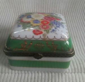 Lovely Green Floral Trinket Box With Brass Latching Hinged Lid