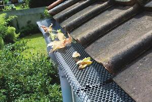 Grillage a gouttière rouleau de 6 mètres anti feuilles avec 8 crochets