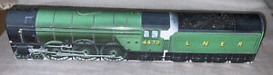 Home Decor  Flying Scotsman Green  Train Metal Tin Ornament Great Condition