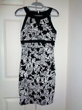 White House Black Market Instantly Slimming Lace Print Tiered Dress Size 4 NWT