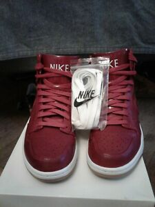 Nike Dunk Lux SP size 7 men preowned