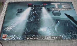 PEGASUS 1/32 T2 Judgment Day HUNTER KILLER TANK Terminator NEW LARGE Kit 9015