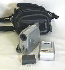 Canon NTSC Digital Video Camera ZR600 800x Digital Zoom w/ Charger & Carry Bag