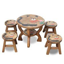 Tisch- und Stuhl-Set für Kinder in Braun