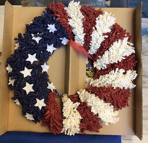2005 Avon Products AMERICANA WREATH Patriotic Red White Blue  New FSC:F929381