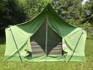Vintage Coleman Oasis 9x12 Tent, Model 8470-720, in very good condition.