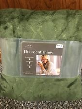 "BERKSHIRE BLANKET DECADENT THROW - OVERSIZED 60"" x 70"" BLANKET - LODEN GREEN"