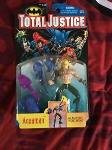 DC- TOTAL JUSTICE- AQUAMAN  ACTION FIGURE - NIP   MC-24