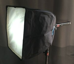 High output 18,000 Lumen daylight balanced portable softlight