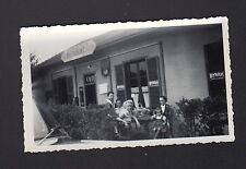 EGUZON (36) RESTAURANT du PONT DES PILES animé Période 1950-1960 / Photo amateur