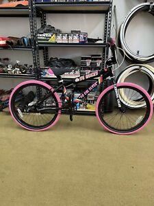 SE Bike So Cal Flyer BMX Bike 24in Black And Pink