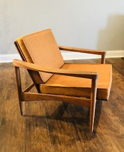 Mid-Century Modern Lounge Chair -  Teak Wood Finn Juhl Spade Design
