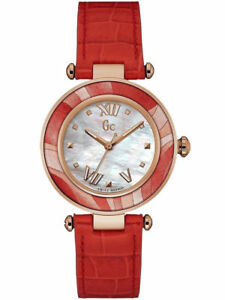 Guess Collection Women's Watch Y12006L1  Sport chic Leather Wrist Band Watch New