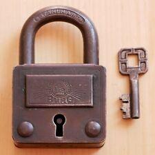 Antikes Schloss Schlüssel BURG DRGM STAHLHART Vorhängeschloss gefertigt vor 1945