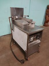 """DUFF"" H.D. COMMERCIAL 60# CAP. ELECTRIC PRESSURE FRYER w/FILTRATION CAPABILITY"