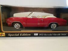 Maisto 1972 Chevrolet Chevelle SS454 Convertible 1:18 scale - Red