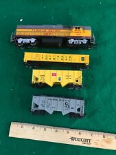 HO Scale LL And Others Engine And Cars Good Condition (415)