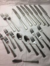 Hampton Silversmiths Stainless Set of 20 Pieces Flatware