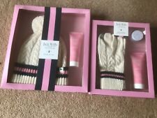 Brand New Jack Wills BEANIE BOBBLE HAT Ladies + glove set Gift Set Present