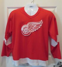 VINTAGE DETROIT RED WINGS MASKA AIR KNIT CCM STITCH RED JERSEY SZ M LONG SLEEVE