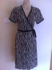 Ladies Black & White W LANE Dress Size 10 Wrap Crossover Short Sleeve