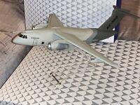 en blister scellé Nouvelle échelle 1//250 LUPA Embraer KC-390