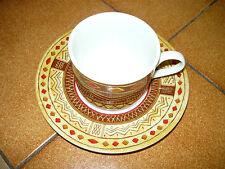 1 TASSE A CAFE MOTIF ETHNIQUE AVEC SA SOUCOUPE TBE